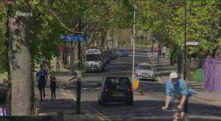Niektórzy mieszkańcy Londynu lekceważą obostrzenia związane z COVID-19